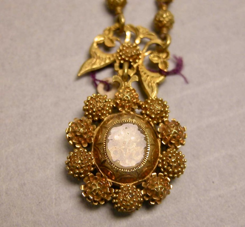 pendant-gold-fullsizeoutput_3b94.jpeg
